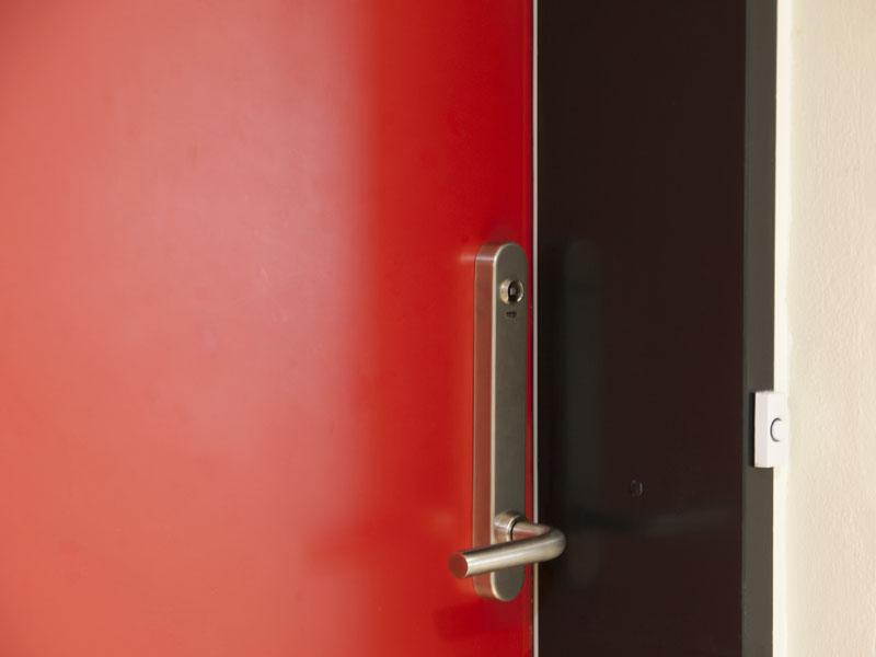 Adgangskontrol: Salto dørbladslæser